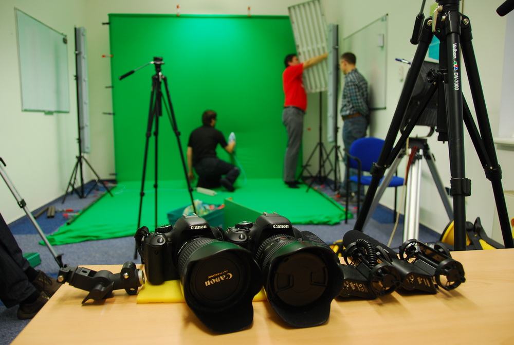 Studio preparations: greenscreen, equipment, lights...